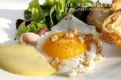 The recipe for hollandaise sauce with butter, egg yolks and lemon hollandaise sauce recipe, sauce buttery toast, smoked salmon, ham sandwich ...