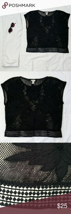 Hinge black mesh floral top Get ready for summer with this gorgeous cotton/poly embroidered mesh boxy crop top from the brand Hinge. Layer it over your favorite black tank dress or wear with denim shorts for the beach.  Questions and offers welcome! Nordstrom Tops Crop Tops
