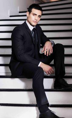 Oscar Paris Mens Fashion, Fashion Suits, Paris, Fictional Characters, Collection, Socks, Style, Men Styles, Men Fashion
