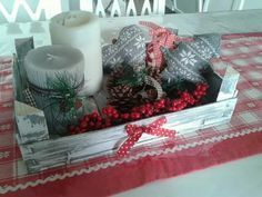 Risultati immagini per cassette frutta natalizie Diy Christmas Gifts, Christmas Time, Christmas Wreaths, Christmas Decorations, Holiday Decor, Diy Weihnachten, Holiday Parties, Diy And Crafts, Decoupage