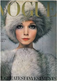 Penelope Tree featured on the cover of Vogue magazine Vogue Magazine Covers, Fashion Magazine Cover, Fashion Cover, 1960s Fashion, Fashion Models, Vintage Fashion, Fur Fashion, Fashion Images, Fashion Designers