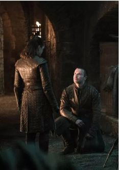 Maisie Williams stars as Arya Stark and Joe Dempsie as Gendry in Game of Thrones (HBO Game Of Thrones Photos, Game Of Thrones Facts, Got Game Of Thrones, Game Of Thrones Funny, Gendry Game Of Thrones, Cersei Lannister, Daenerys Targaryen, Khaleesi, Arya Stark