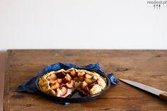 Vegan plum pie with almonds, perfect for autumn evenings with a cup of hot tea Plum Pie, Almonds, Autumn, Vegan, Desserts, Food, Tailgate Desserts, Deserts, Fall Season