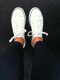 white converse + black skinnies