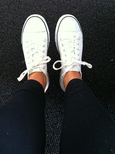 white converse + black skinnies