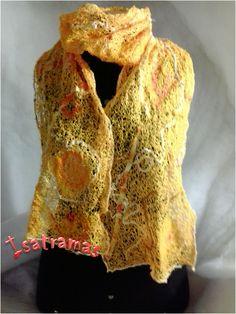 Echarpe amarela 1. Visite nosso site: www.isatramas.com.br . Curta nossa fan page no Facebook.
