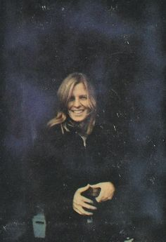 Linda Eastman The Photographer, American Musician and Animal rights activist. She looks so happy here & I love it❤️❤️ Beautiful Love, Beautiful Family, Linda Eastman, Jane Asher, Paul And Linda Mccartney, Sir Paul, Great Love Stories, The Fab Four, Ringo Starr