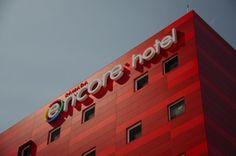 Hotel Ramada Encore, Tlajomulco, Jalisco, México. Diseño arquitectónico Arquitectos Miguel Echauri y Álvaro Morales. www.echaurimorales.com