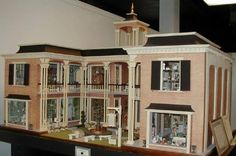 Dollhouse by miniaturemuseum.org