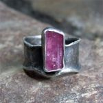 Ring - looks like maybe tourmaline