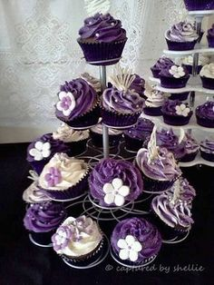 Ideas Cupcakes Wedding Purple Desserts For 2019 Purple Cupcakes, Cupcake Cakes, Silver Cupcakes, Cupcake Wrappers, Sweet 16 Cupcakes, Decorated Cupcakes, Purple Desserts, Purple Dessert Tables, Candy Buffet