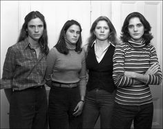 portraits of 4 sisters, every year for 36 years