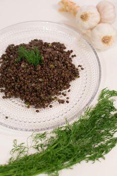 Marinoidut beluga-linssit Easter Recipes, Lentils, Beans, Tasty, Foods, Drinks, Food Food, Drinking, Food Items