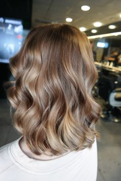 #bronde #haircolor #trends #softwaves #hairstyles #mediumlenght #hairstyles #hairstyles2017 #haarvisie #haarvisierijswijk
