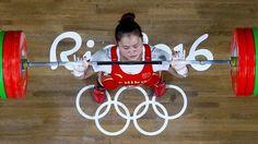 Covesia.com - Atlet angkat besi China, Deng Wei, memenangi medali emas kelas 63 kg putri dalam penampilan perdananya di Olimpiade dan memecahkan rekor yang...