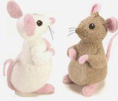 ALAN-DART-Chalk-and-Cheese-Toy-Mice-Knit-Pattern-RARE