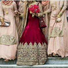 35 ideas dress long indian gowns ux ui designer for 2019 Indian Bridal Outfits, Indian Bridal Fashion, Pakistani Bridal Dresses, Bridal Lehenga, Wedding Dresses, Reception Gown, Bridal Dress Design, Indian Gowns, Marie