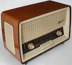 jpg kb - Radio - Ideas of Radio Radios, Sweet Memories, Childhood Memories, Poste Radio Vintage, Antique Radio, The Good Old Days, Vintage Advertisements, Vintage Antiques, Retro Vintage