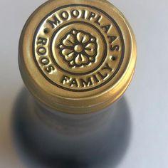 Mooi roos... #haumannsmal #mooiplaas #mooi #capsule #labeldesign #embossing #gold #rose
