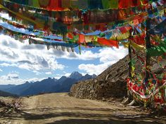 Prayer Flags in Tibet, China, Asia © Michele Black The beauty of ideas Le Tibet, Unity In Diversity, Beautiful Prayers, Beautiful Things, Prayer Flags, The Ranch, Places To See, Around The Worlds, Nature