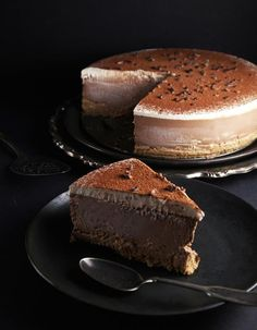 """The Unconventional Baker,also known as Audrey Snowe, brings us a cake that's gluten-free, vegan, raw, and paleo. Yes, all of those words can live in the same sentence as """"cake."""""""