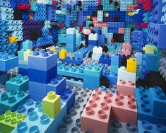 Svuota la mente e riversa nello studio la sua fantasia.           JeeYoung Lee lascia libera la sua immaginazione in uno spazio di Seoul che misura 3.6 x 4.1 x 2.4 m