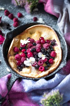 This Gluten-Free Dutch Baby is low FODMAP, light, fluffy, rich and so yum! It makes a filling, satisfying breakfast or brunch. Free Paleo Recipes, Fodmap Recipes, Baby Food Recipes, Sweet Recipes, Best Brunch Recipes, Easy Dinner Recipes, Breakfast Recipes, Fodmap Breakfast, Dutch Baby Recipe