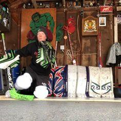 Goalie Pads, Hockey Goalie, Hockey Mom, Ice Hockey, Speed Training Drills, Hockey Training, Hockey Workouts, Hockey Bedroom, Hockey Stuff