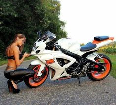Sport bikes and other motorcycles Lady Biker, Biker Girl, Motorbikes Women, Custom Sport Bikes, Dirt Bike Girl, Motorbike Girl, Moto Bike, Biker Chick, Super Bikes