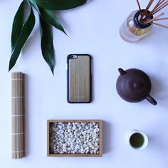 Ta-Ke is the Japanese word for bamboo. Discover your inner zen with our anti-gravity bamboo print case. Shop now at www.frogcase.com  . . . . . #frogcase #flaylay #flatlays #knolling #flatlayphotography #photography #iphonecase #phonecase #bamboo #shopping #onlineshop #gadgets #iphone #case