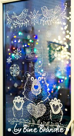 Winter – Bine Brändle Best Picture For christmas poster For Your Taste You are looking for something, and it is going to tell you exactly … Chalk Art Christmas, Christmas Home, Xmas, Ideas Decoracion Navidad, Christmas Window Decorations, Christmas Window Display, Window Art, Chalkboard Art, Creative