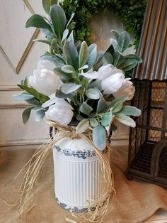 Beautiful Farmhouse White Tulip arrangement with lambs ear Farmhouse Style - Farmhouse Florals English Country Decor, Country Farmhouse Decor, Farmhouse Style, Farmhouse Garden, Farmhouse Front, Country Kitchen, Modern Farmhouse, Country Style Homes, French Country Style