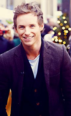 So handsome. Such a smile and a gentleman. What's not to love about eddie redmayne ;-)