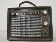 Neat vintage radio. Adds retro flare to any apartment for under $5.