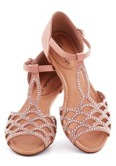 Sandals with s-curves and some bling. Perfect for a 2/1