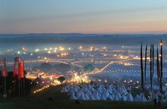 Glastonbury Festival at dusk- oh i can feel the atmosphere whenever I look at this!