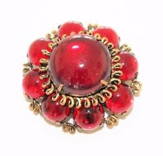 Vintage-Red-Rhinestone-Diamante-amp-Gold-Coloured-Chunky-Flower-Brooch-c1940s