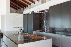 #lakberendezes #otthon #otthondekor #homedecor #homedesign #furnishings #design #furnishingideas #housedesign #decor #decoration #interiordesign #interiordecor #interiores #interiordesignideas #interiorarchitecture #interiordecorating #homedecoration #homedecorationideas #homedecorideas #monochromedesign #monochromelivingroom #monochromebedroom #monochromeinterior #monochromehome #monochromekitchen #blackandwhitedecor #blackandwhiteinterior Monochrome Bedroom, Monochrome Interior, Black And White Interior, Interior Decorating, Interior Design, Mirror, Interior Architecture, Bathroom Lighting, Forget