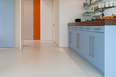 LuxSphere in Solid White Sphere8 resin floors