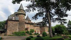 Le  château de Castel-Novel en Corrèze où l'écrivain vécut une partie de sa vie avec Henry de Jouvenel, son second mari, il porte sur ses pierres datant pour certaines du Moyen- Âge, l'impalpable trace de celle qui fut l'un des génies littéraires les plus marquants du 20e siècle. (Crédit photo David Raynal)