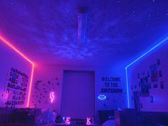 Neon Bedroom, Room Design Bedroom, Room Ideas Bedroom, Bedroom Decor, Dream Rooms, Dream Bedroom, Chill Room, Teen Rooms, College Room
