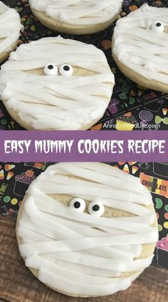 These adorable Mummy Cookies are a spooktacular Halloween treat! Great for Halloween parties, lunch boxes, dessert or an afternoon treat, your entire family will enjoy these tasty cookies! recipes for halloween Halloween Cookie Recipes, Halloween Cookies Decorated, Halloween Sugar Cookies, Halloween Baking, Halloween Goodies, Halloween Desserts, Halloween Food For Party, Halloween Cupcakes, Happy Halloween
