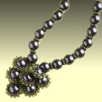 Sea pearl necklace from Saturn (Russian)