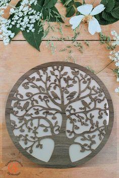 """Lebensbaum Baum des Lebens aus Holz  Graviert-""""Symbol der Kosmischen Ordnung"""". Weiße Hintergrund Wanddeko Holzdekor  Wandbild Dekoration Deko Geschenk zum Geburtstag Hochzeit  Muttertag Weihnachten"""