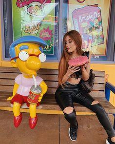 """Mari Maria 🦄 no Instagram: """"Marque seu amigo que quer sua comida toda vez 😂 @caiosouzak3"""" Cute Disney Pictures, Disney World Pictures, Viaje A Disney World, Walt Disney World, Orlando Travel, Disney Magic Kingdom, Photo Instagram, Universal Studios, Universal Orlando"""