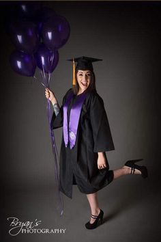 Senior Photography in cap and gown with balloons. Photo by Bryan's Photography. - Senior Photography in cap and gown with balloons. Photo by Bryan's Photography. College Graduation Photos, Graduation Picture Poses, Graduation Portraits, Graduation Photoshoot, Graduation Pictures, Senior Photography, Graduation Photography, Senior Portraits Girl, Girl Senior Pictures