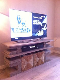 DIY media table. Simple and beautiful #tvstand #design