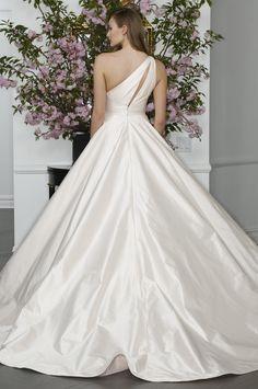 bridals by lori - LEGENDS Romona Keveza 0129127, In store (http://shop.bridalsbylori.com/legends-romona-keveza-0129127/)