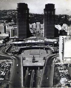 Caracas - Centro Simon Bolivar cuando lo estaban construyendo en los 50.