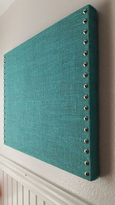 Burlap Bulletin Board DIY ⋆ Love Our Real Life Turquoise Burlap Pin/Message Cork Board by Home Office Decor, Diy Home Decor, Bedroom Office, Burlap Crafts, Diy Crafts, Burlap Bulletin Boards, Burlap Board, Office Bulletin Boards, Fabric Bulletin Board